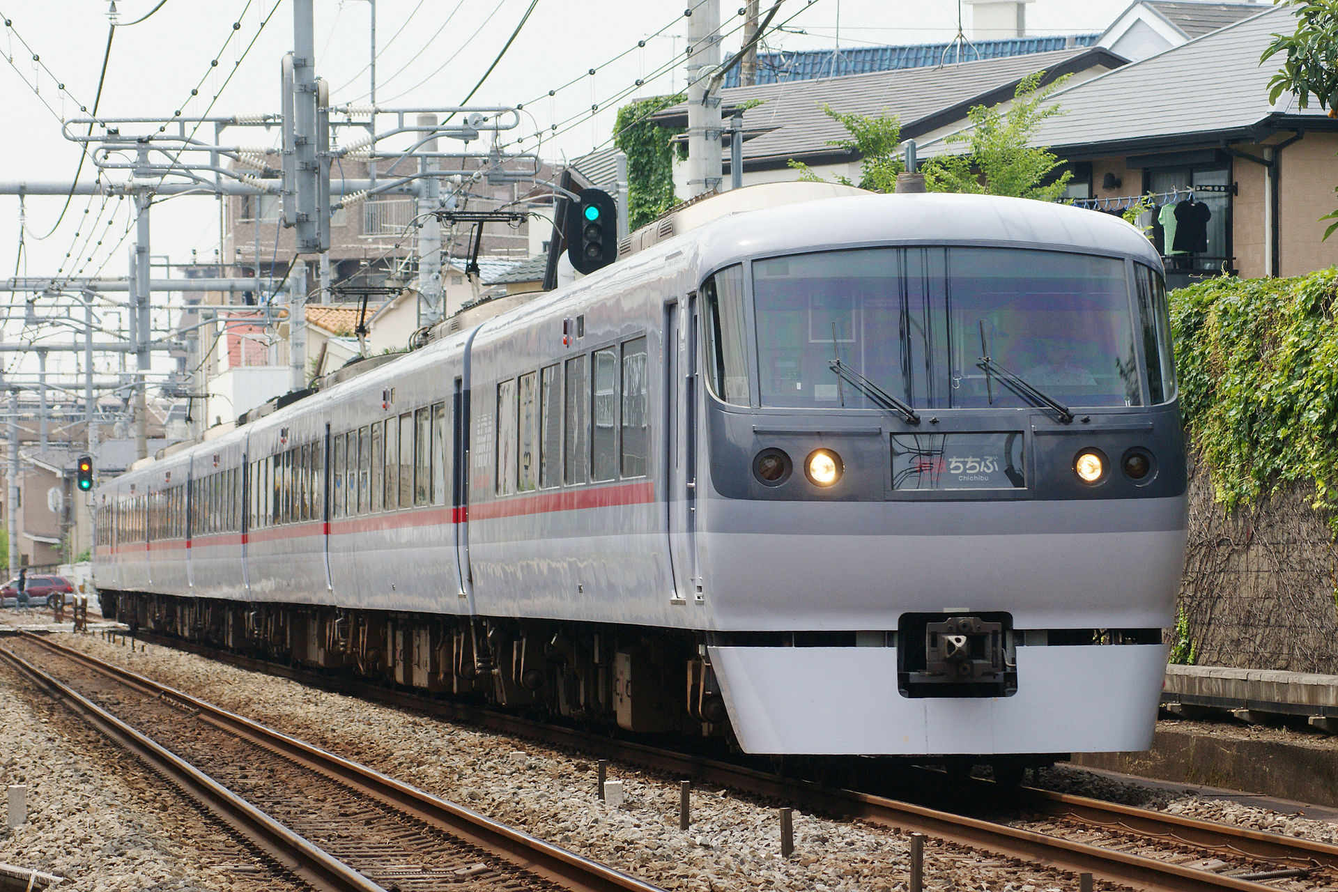 seibu_railway_10000_limited-express_chichibu